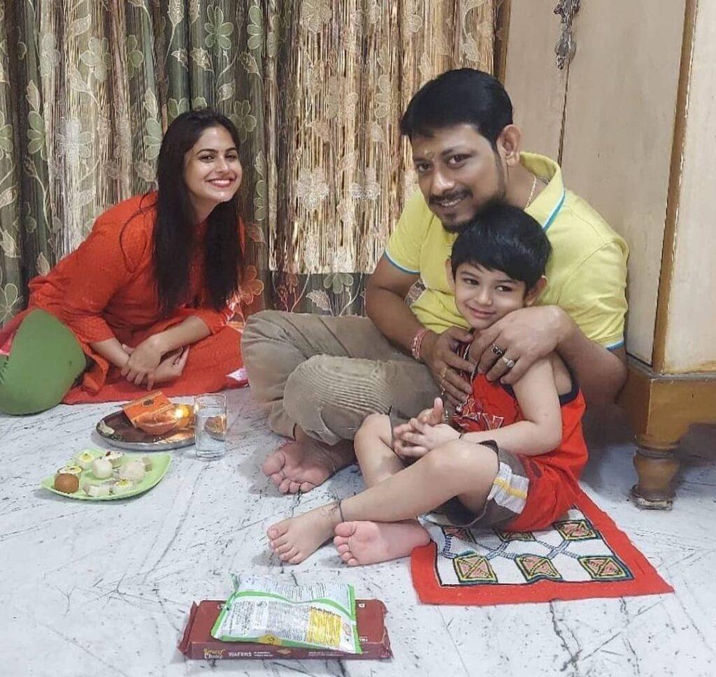Naina Ganguly brother