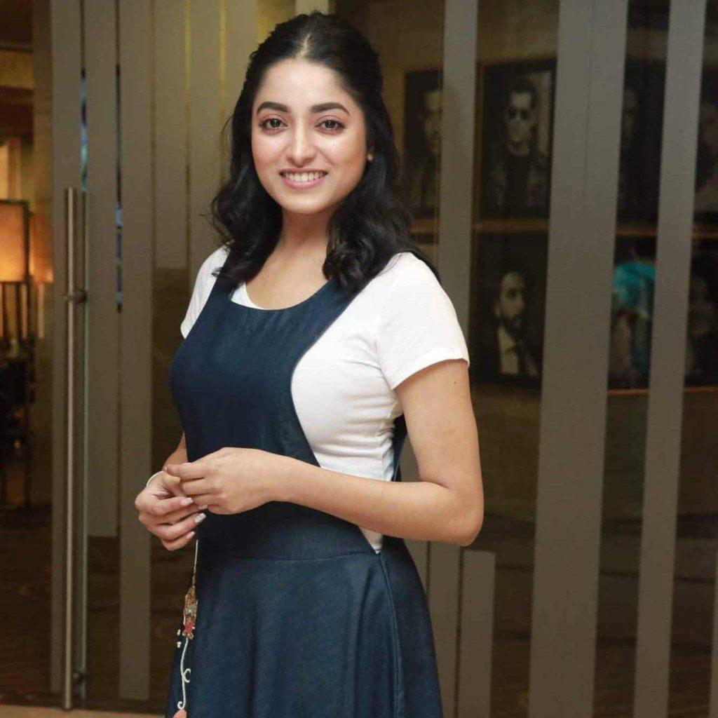 Bengali Actress Ishaa Saha