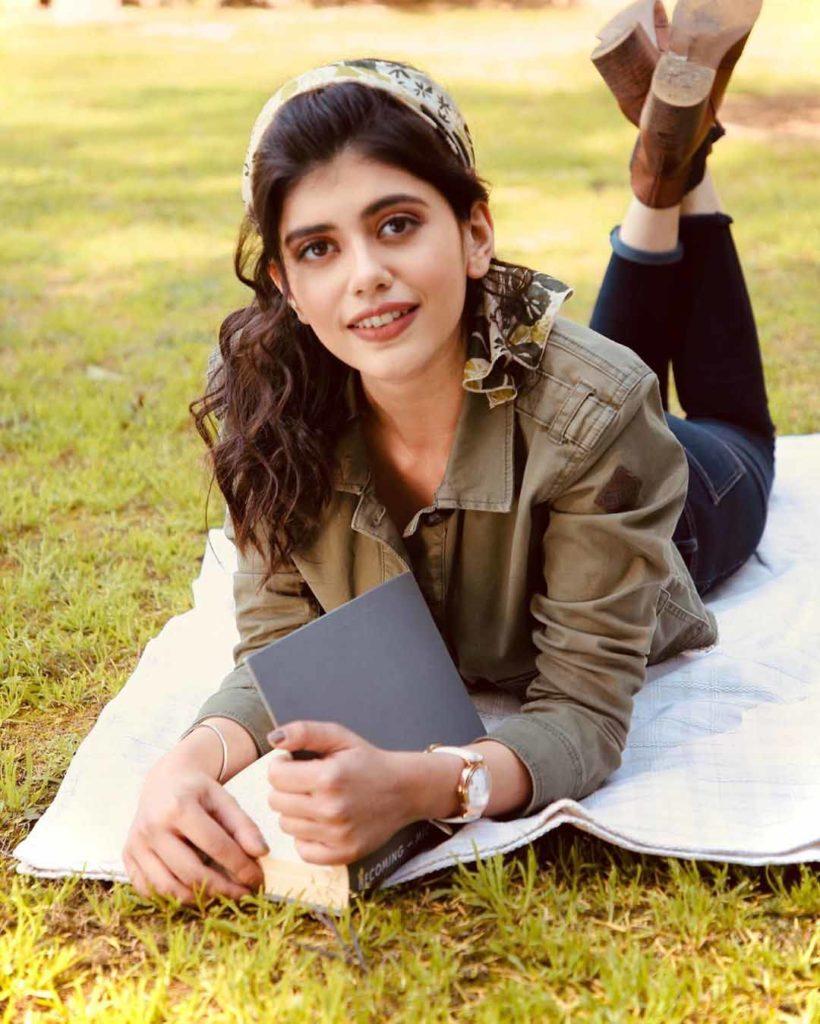 Sanjana Sanghi 1