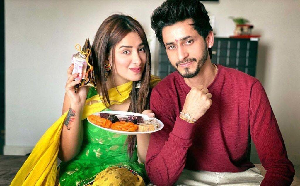 Mahira Sharma Brother