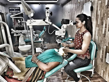 roadies contestant dr Pratibha Singh in her clinick