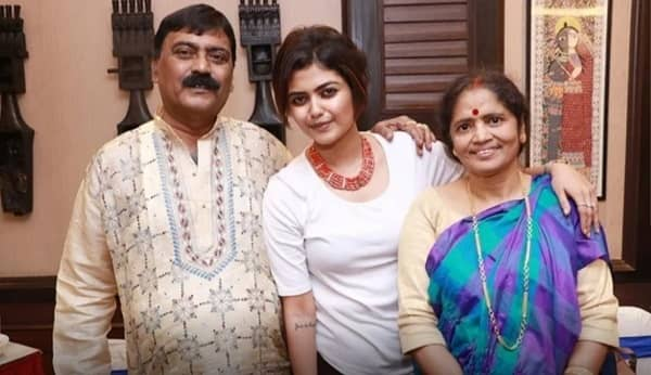 Saayoni Ghosh Family And Parents