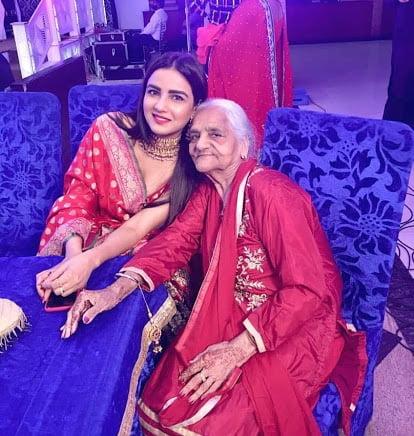 jasmin bhasin with her grandmother