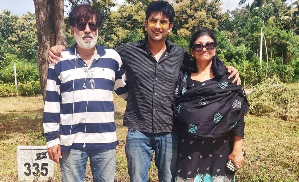 Fahmaan Khan family and parents