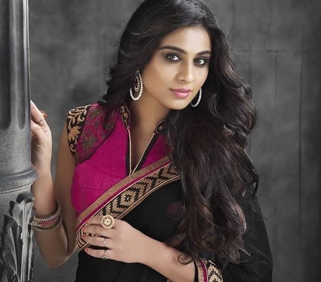 Tandav Web Series actress Neha Hinge